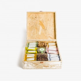 Wooden gift  box -  spread...