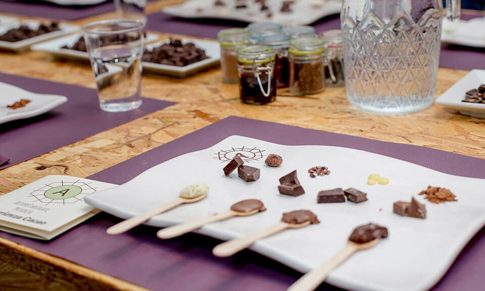 Introducing EsperienzaCacao. Learn with us to taste the chocolate!